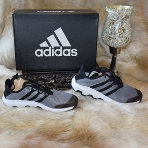 ADIDAS Terrex CC Voyager Cross Trainers Sneakers